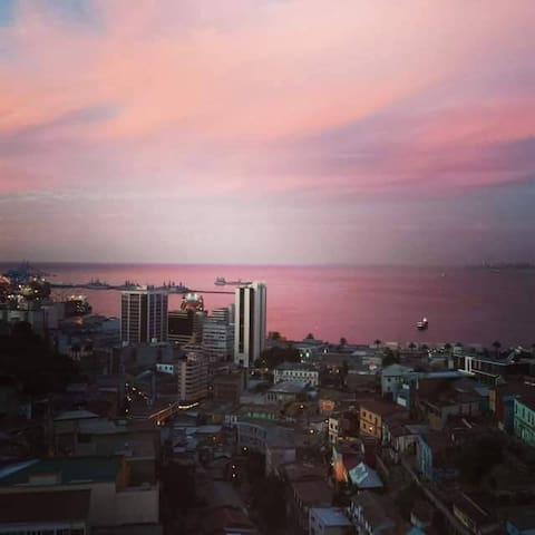 Amazing view in Valparaíso that you will love.