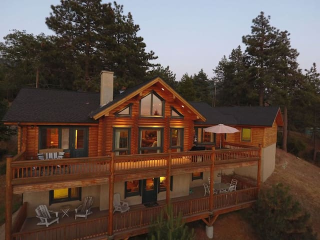 Idyllwild Log Cabin in the Sky - Amazing Views