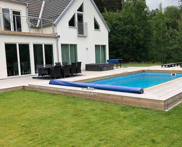 Large modern villa with private pool Sthlm/Lidingö