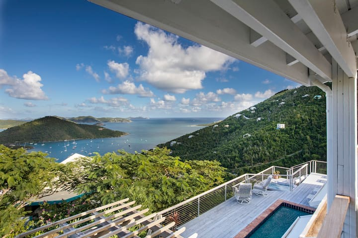 Brisas Del Mar | Sunrise Views & Caribbean Breezes