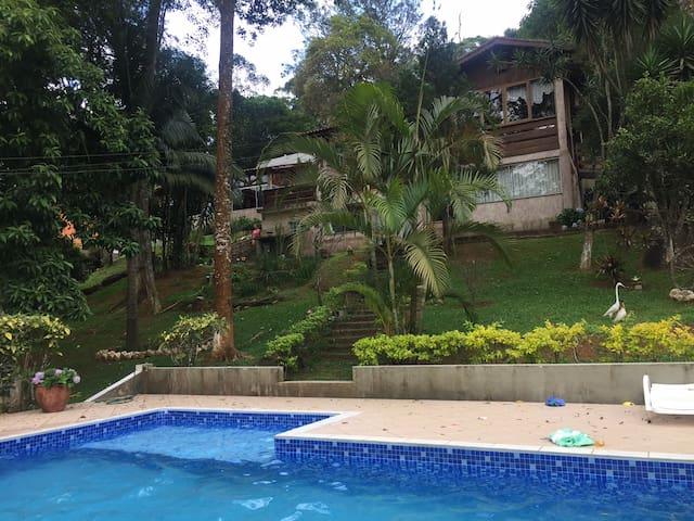 NATUREZA E ACONCHEGO PROXIMO À SP - Mairiporã - House