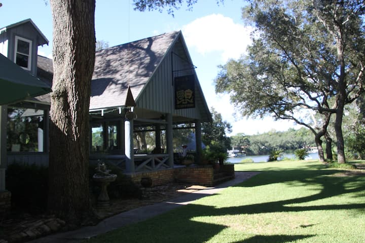 Historical Bayou Retreat