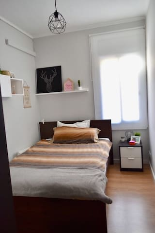Lovely room in centric Barcelona