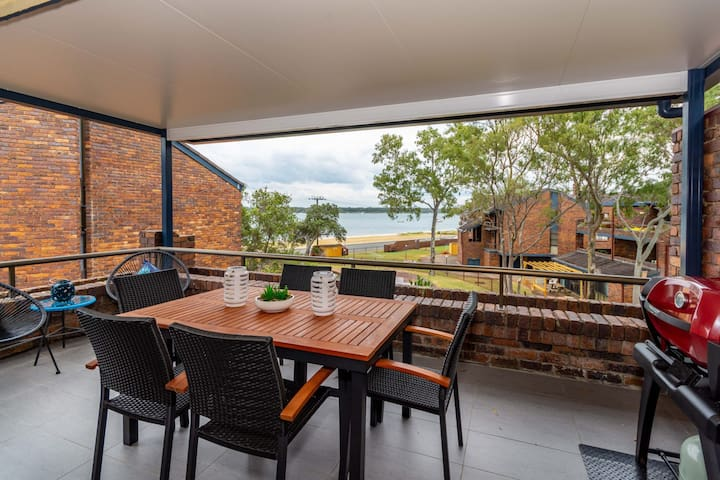 Spacious Family unit with Incredible views.
