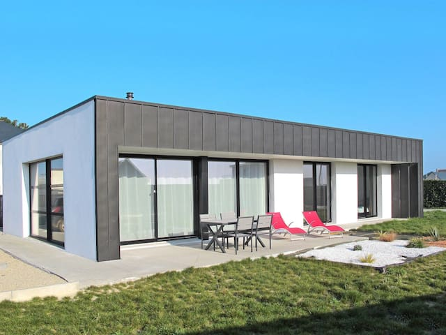 Detached house in Cléder for 4 persons