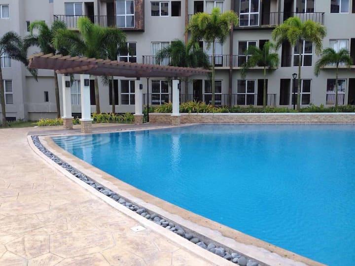 Cozy Condo Near Tagaytay (Monteluce Condominium)