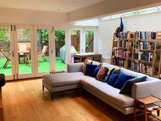 Living room / garden ( photo 2)