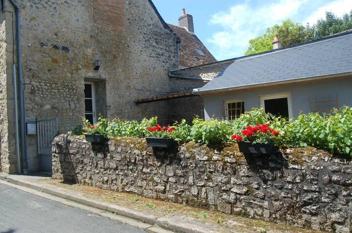 Petite Belle Maison in Parce-sur-Sarthe