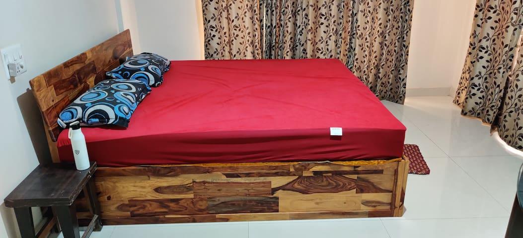 Low Budget Luxurious Bedroom