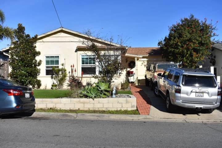 Bright and cheerful newly remodeled house for you!