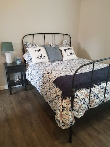 Updated 1920's craftsman, clean & cute private rm. - Tacoma - House