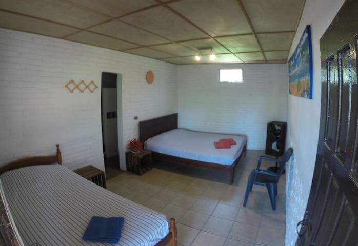 Private room (6'2)