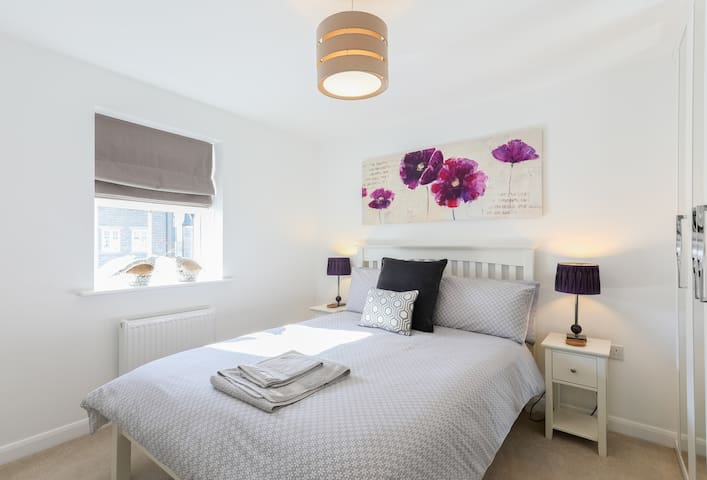 Master double bedroom with fitted wardrobes.