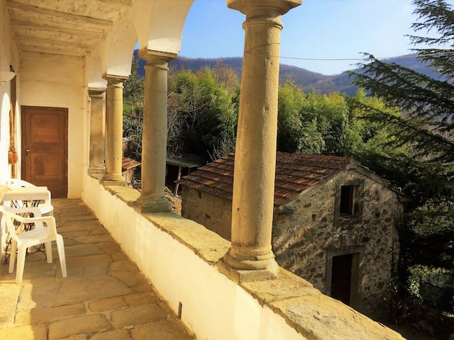 Beautiful medieval Tuscan house! Sleeps 10+ - Colle di Cerignano - Casa