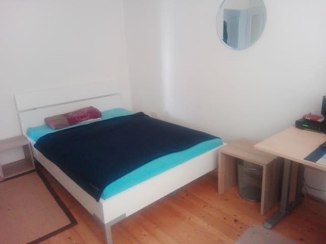 Zimmer in ruhiger Lager in Ingolstadt