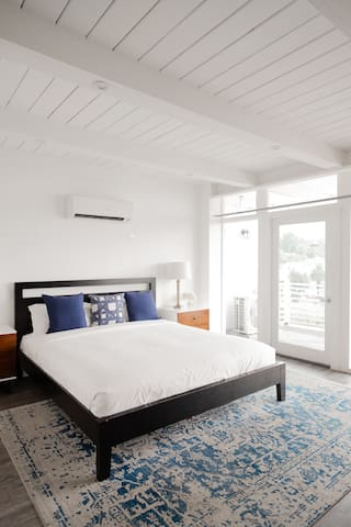 Atelier Hill View - Hollywood Hills Hotel -