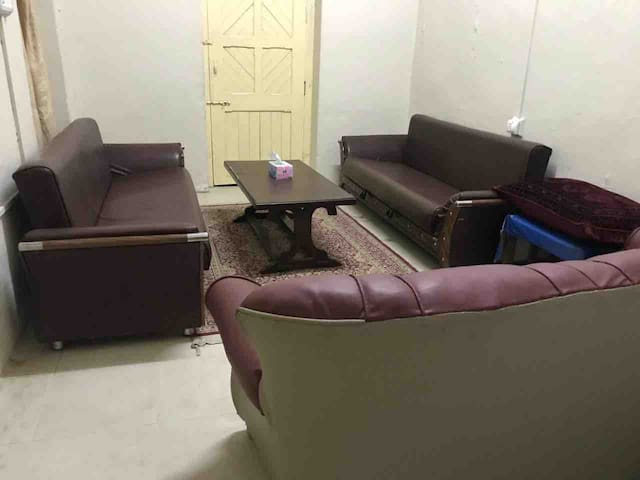 Sitting lounge for 6 to 9ppl