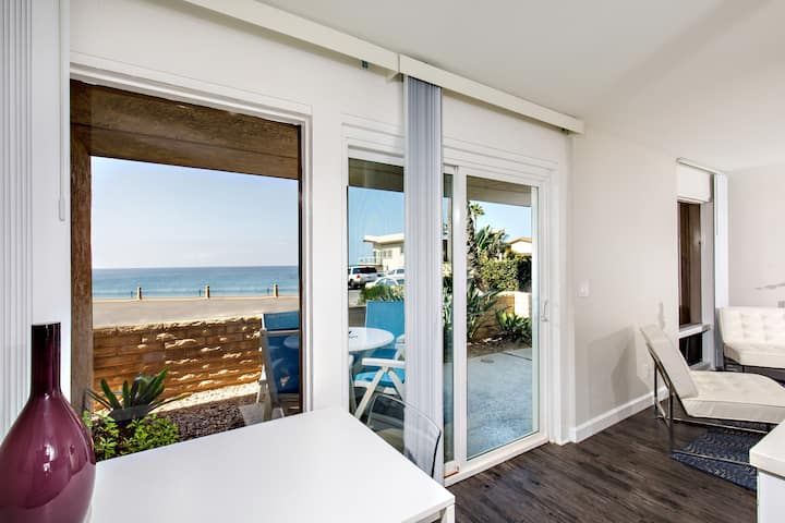 Sea Breeze #1 - on the beach! (NEWLY RENOVATED!)