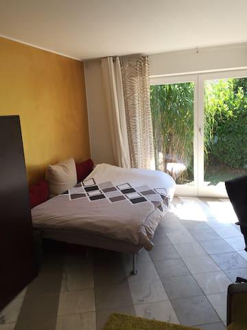 Wunderschönes helles Zimmer mit Bad - Herford - Casa