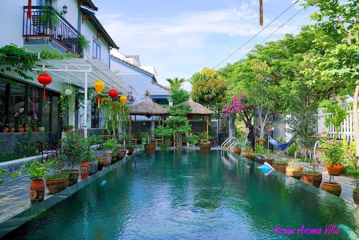 Garden 2 - Luxury room in Villa with pool & garden