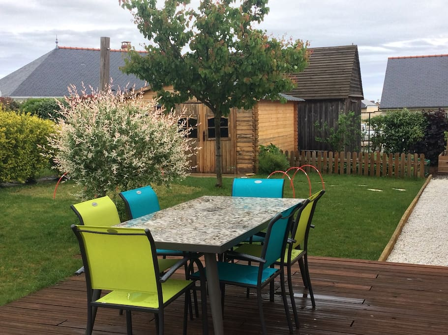 Une belle terrasse, idéale pour les parents !