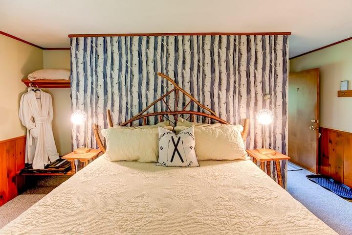 Aspen Room, King Bed, Bath, Breakfast, Stowe VT