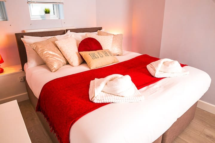 Marina - Double/Twin Room - En-suite - Eastbourne - Apartment