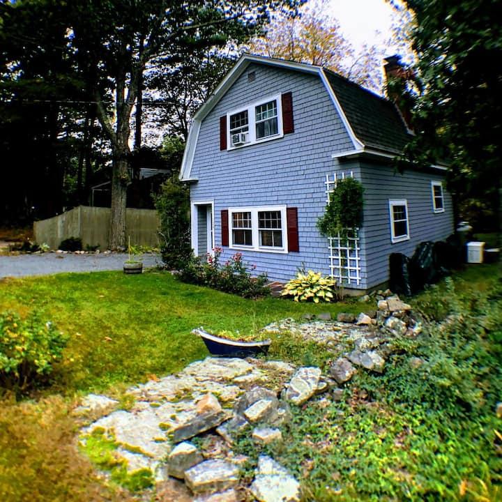 Beautiful cottage in quaint Cape Neddick