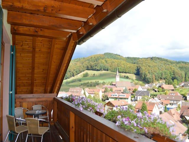 "Wanglerhof, (Schuttertal), Ferienwohnung ""Kapellenblick"" 80qm, 2 Schlafzimmer, max. 5 Personen"