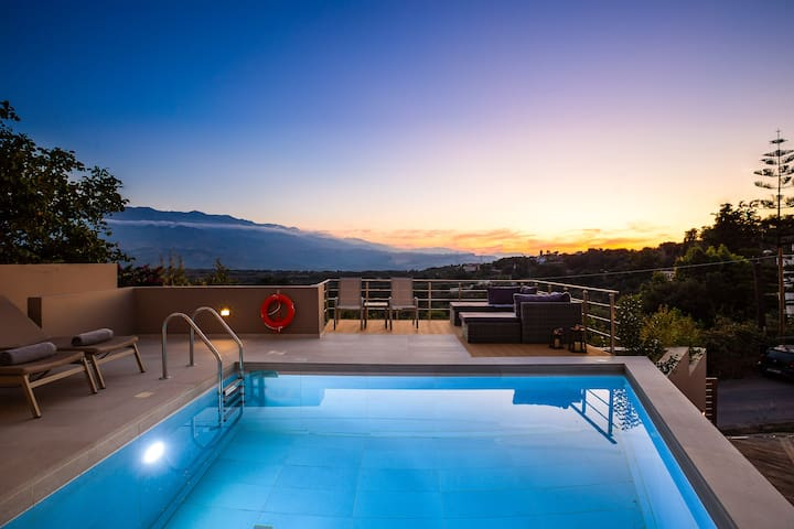 Luxury villas in a quite location ideal for groups
