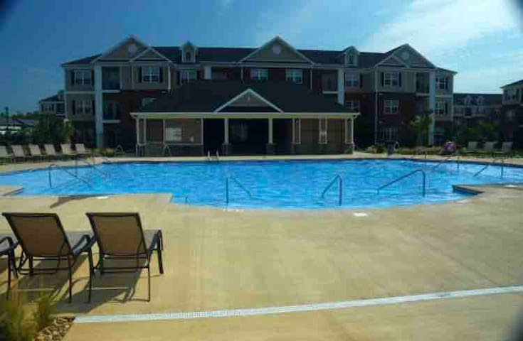 1 Bdr Apartment, Close to Hospital, Pool/Gym