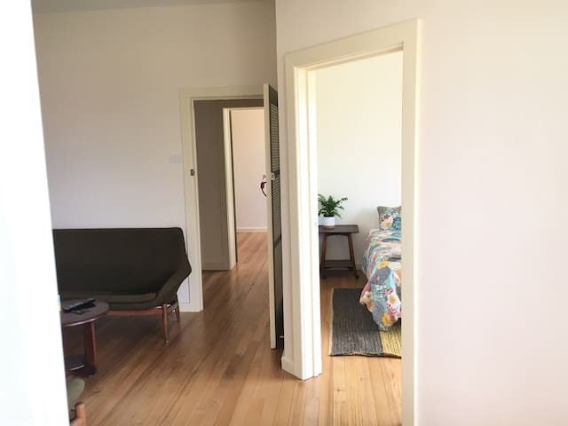 Location location location! Convenient apartment - Ballarat Central - Lägenhet