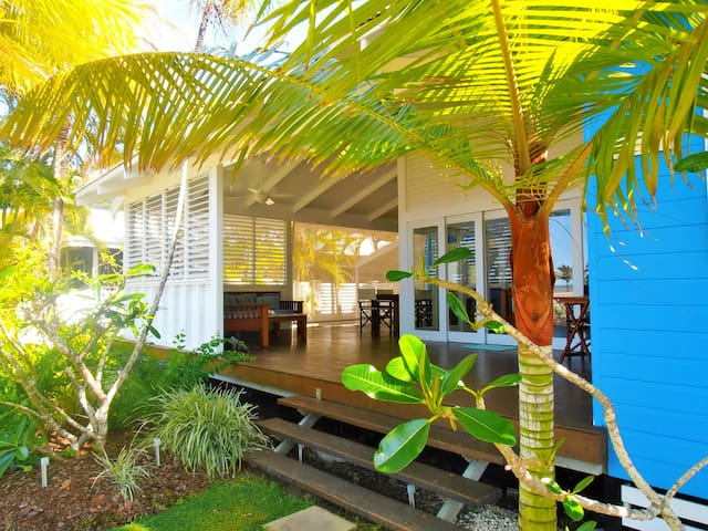Port Hinchinbrook Beach House (Ocean side)