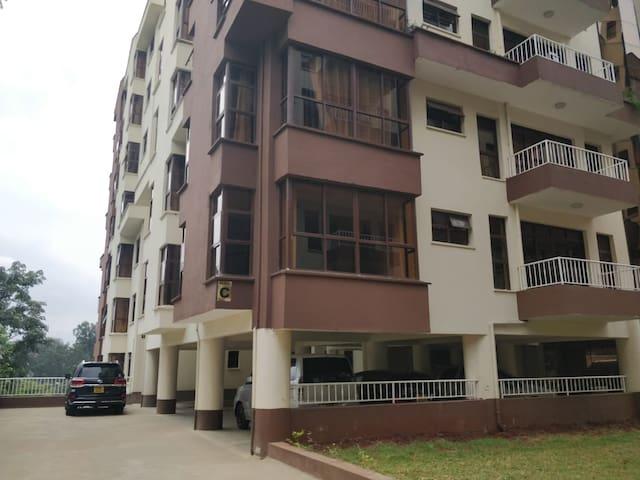 Kileleshwa, entire 1 bed apartment/Wifi/Netflix