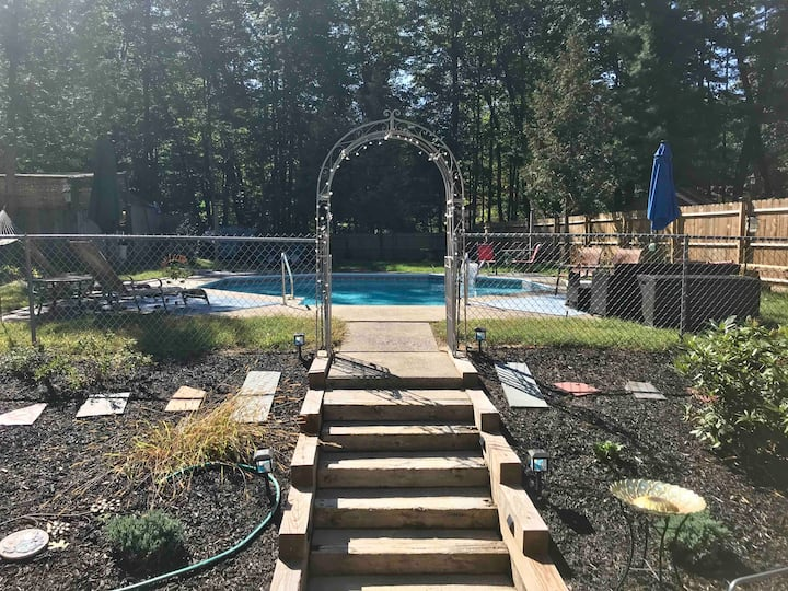 Close to Park! Private Yard w/ Pool, Very Clean