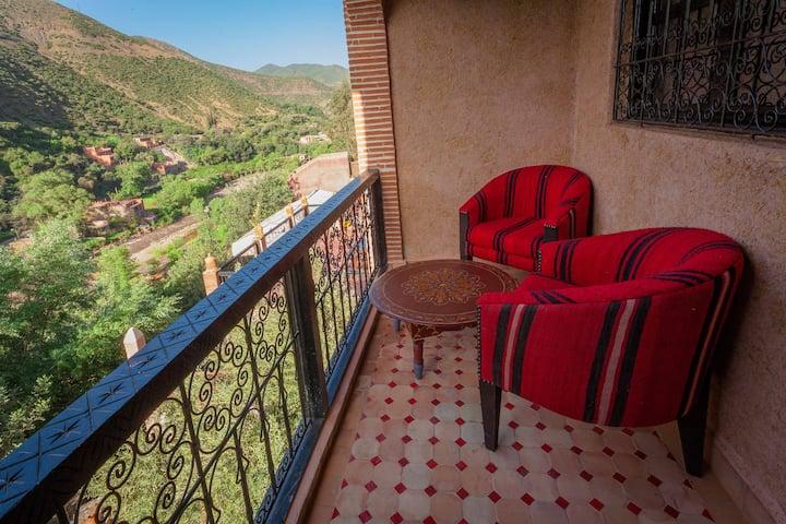 Dar Ikalimo:Chambre double vue splendide 'ourika'
