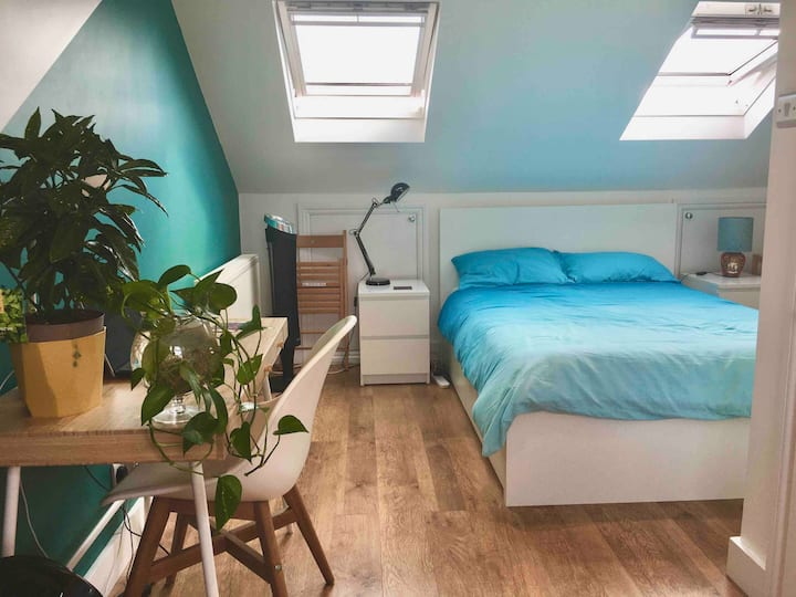 Private Loft Space with En-suite Bathroom