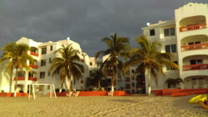 Beautiful Oceanfront Condo Los Flamencos