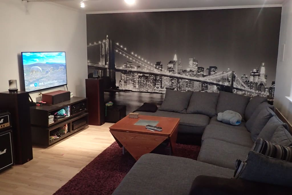 Lounge area With TV/Stereo