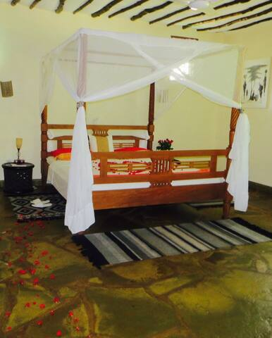 Villa Mara,luxury with African touch.CHEETAH ROOM. - Diani Beach - Villa