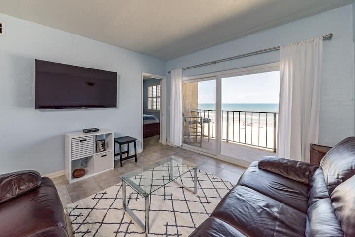 Beachfront Luxurious Charming 2BR Condo