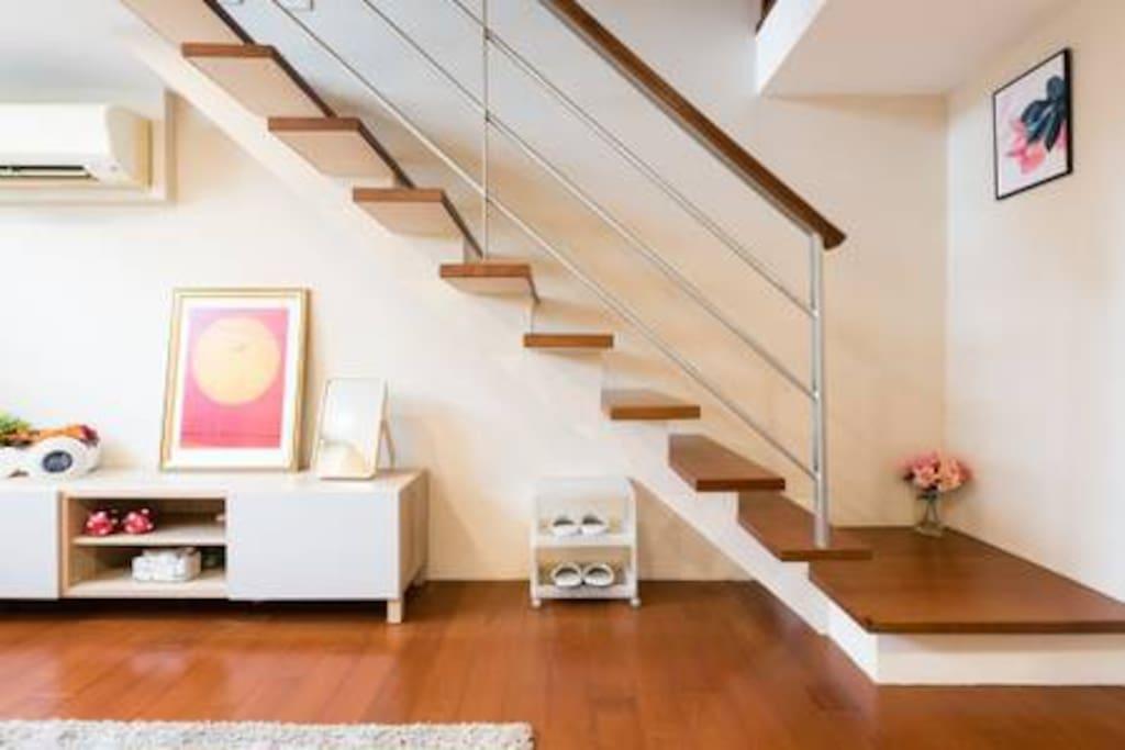 樓中樓室內階梯A private inner staircase