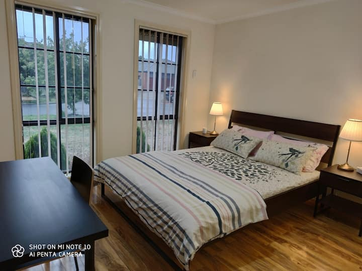 Close to city, airport, local shops & restaurants