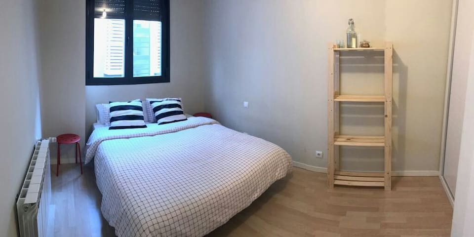 Cozy 1BD with Wifi Gym Pool & Sauna - Madrid - Apartment