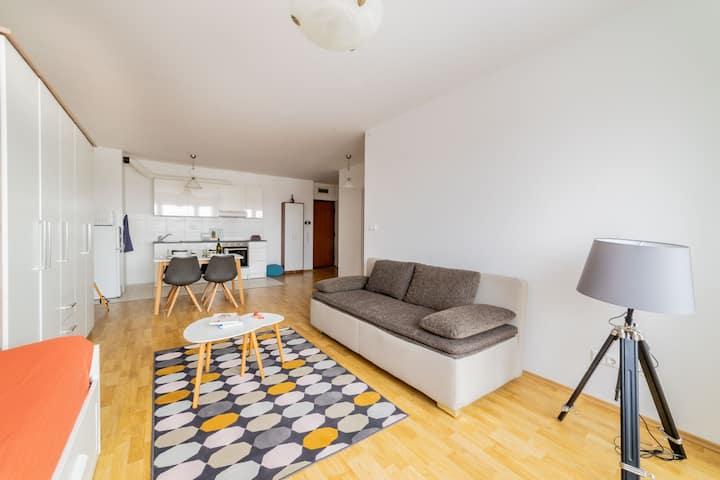 FLORA homelike condominium flat with garage PROMO