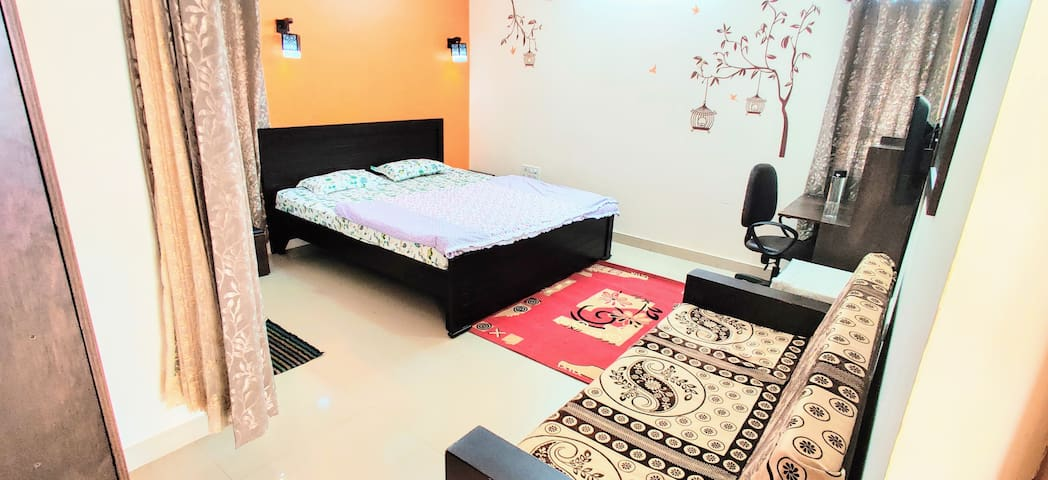 Superior AC Room near Manyata Tech Park - 20% Off