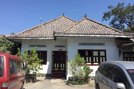 Rumah Eyang Magelang