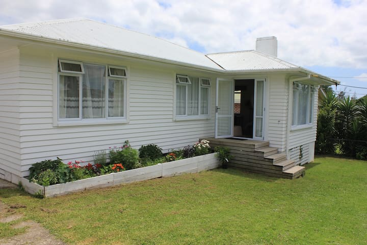 Charming Renovated 60s Home with Fibre Internet