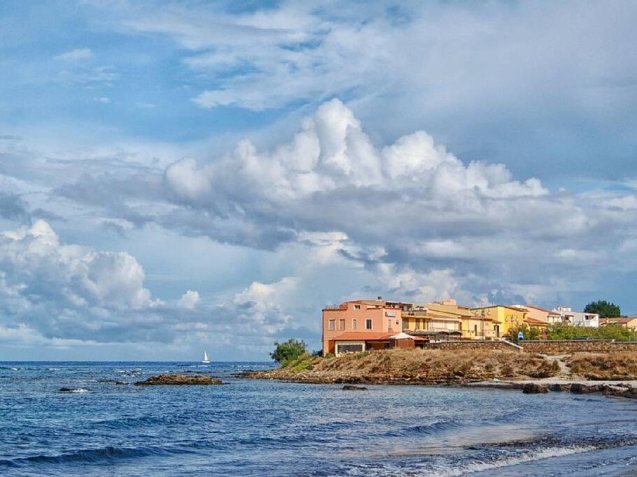 S.Lucia vista dalla spiaggia di Sa Petra Ruja.