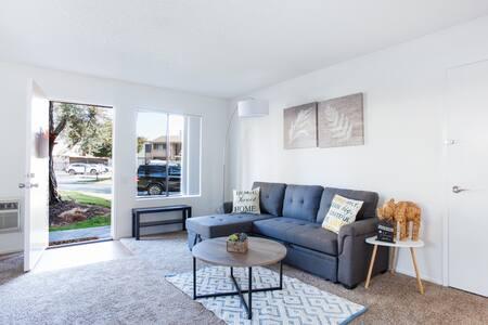 Cozy Modern Home near Disney & Angle Stadium